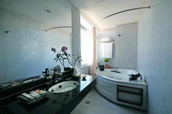 Romance Hotel: Bathroom - Romance Suite