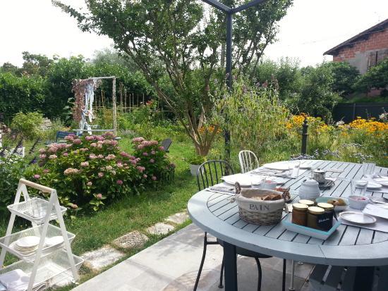 Le jardin photo de brunch bleu canard toulouse for Brunch jardin