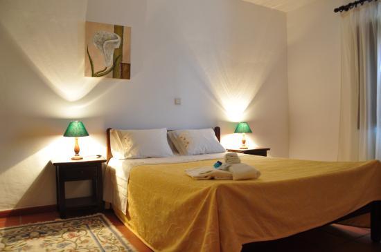 Monte Alcaria do Clemente: quartos