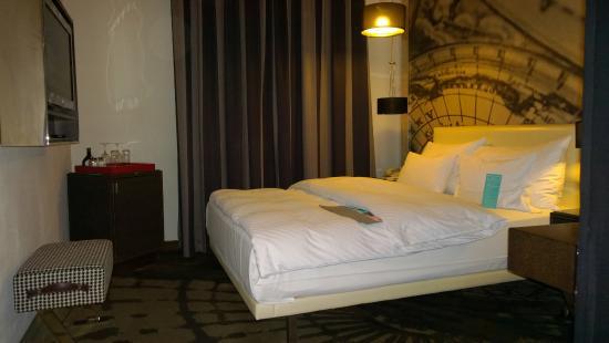 bathroom in room 218 - picture of le meridien grand hotel nurnberg, Schlafzimmer