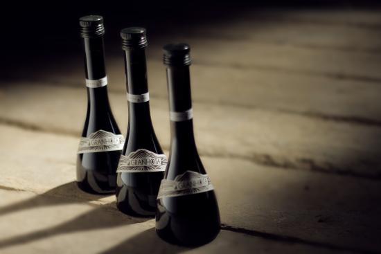 Coursan, Francja: Invitez les vinaigres Granota dans votre cuisine