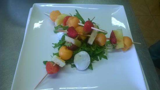 Brochette de fruits et mozzarella photo de la fabrik for Restaurant la talaudiere