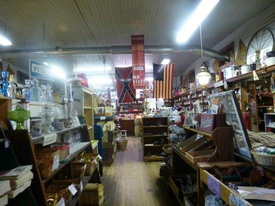 Clarkrange, TN: Inside the store