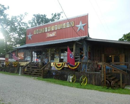 Hwy 127 Yard Sale stop - Review of Cumberland Mountain