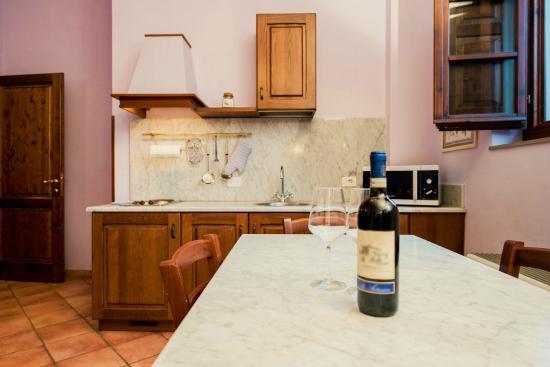 Soggiorno appartamento Giaggiolo - Picture of Le Civette Country ...