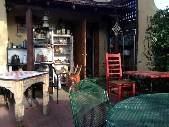the courtyard picture of silver saddle motel santa fe. Black Bedroom Furniture Sets. Home Design Ideas