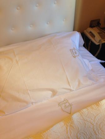 Hotel Alvear: Spotless clean linen
