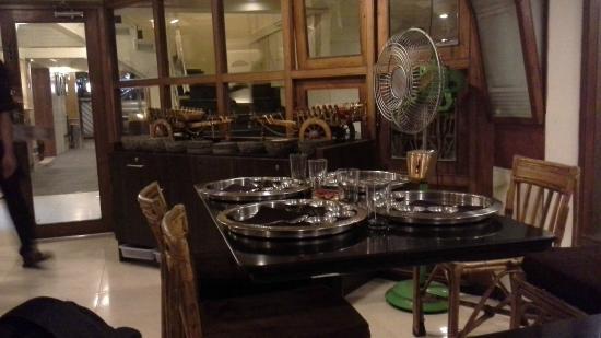 Shabree : Restaurant interior