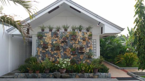 Dumaguete Studio Apartments: Inngang