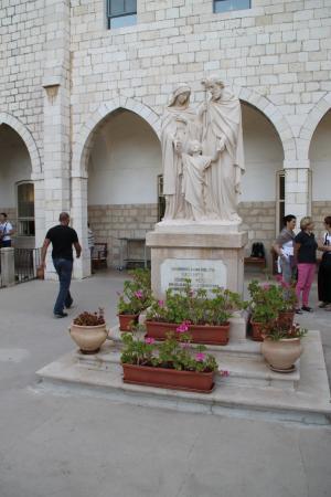 Sisters of Nazareth Convent: giardino interno