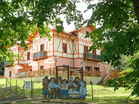 Hotel Studanka: The Villa and the entry to the Cat´s Castle (a children playground)
