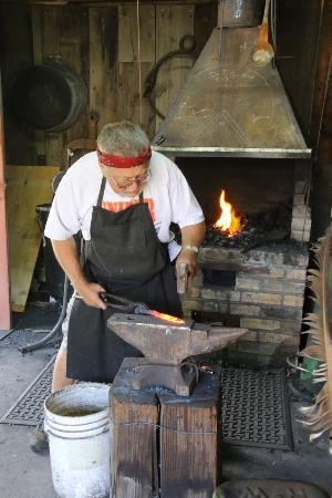 Bachelor - Syracuse Mine Tour: Blacksmith