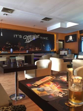 Panpan Cafe & Pub
