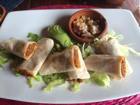 Los Braseros: Lunch special