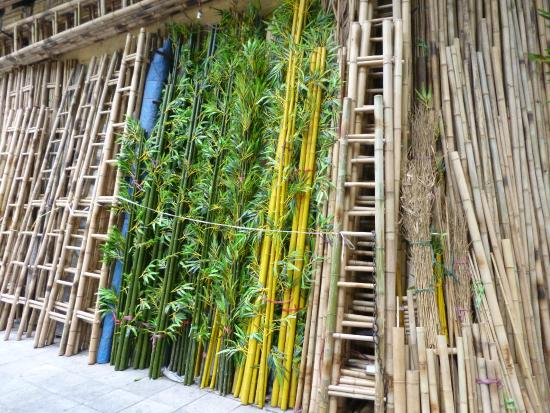Hanoi Charming 2 Hotel: Bamboo ladder shop around the corner from Charming 2