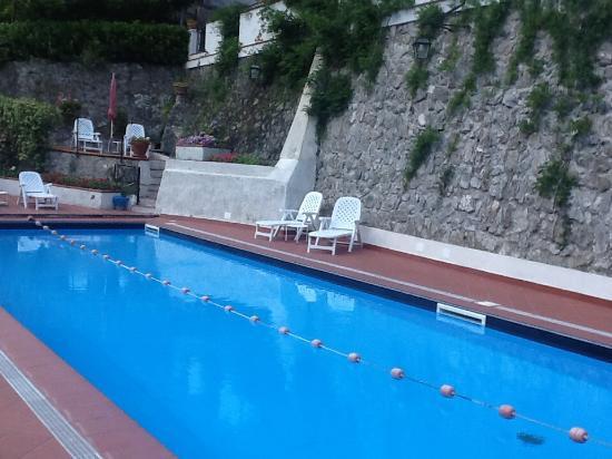 فيلا روزا: Pool