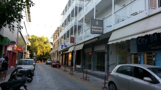 Savoy Hotel: Вход в отель