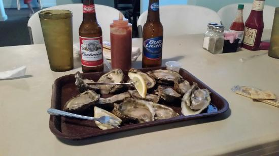 Papa Joe S Oyster Bar Grill A Dozen Of The Elusive Apalachicola Oysters Unfortunately