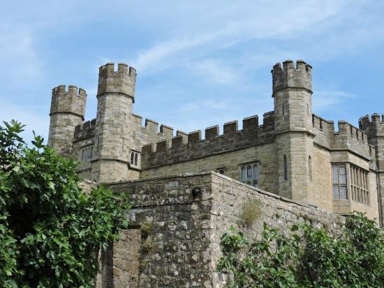 Leeds castle walk