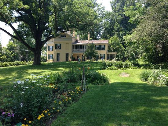 Emily Dickinson Museum: Dickinson Homestead