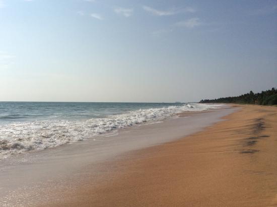 Sea Rock Villa: Уединенный пляж