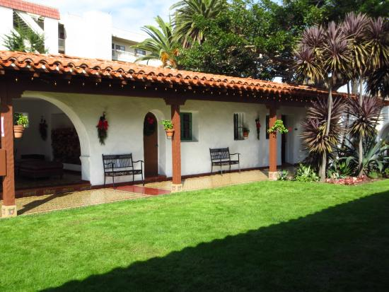 San Clemente, CA: Courtyard