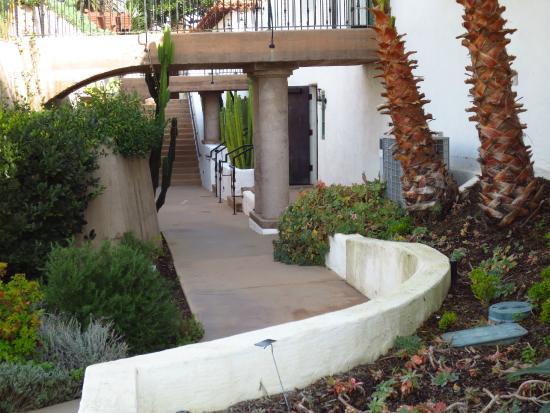 San Clemente, Kalifornia: Garden area near the side of the casa