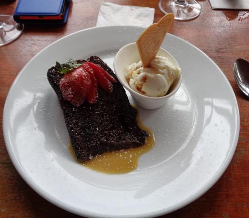 The Refreshment Rooms: sticky toffee pudding..... delicious....