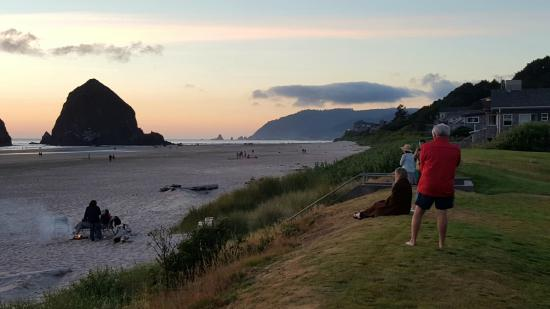 cannon beach latin singles Someone you can love is nearby browse profiles & photos of divorced singles in cannon beach, or join matchcom, the leader in online dating with more dates, more.