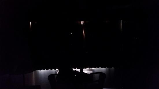 Grouse Inn : moth eaten curtains