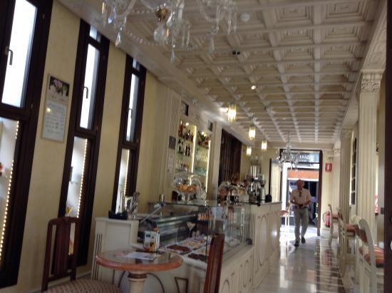 The hotel 39 s cafe bar bild von casa palacete 1822 granada tripadvisor - Casa palacete 1822 ...
