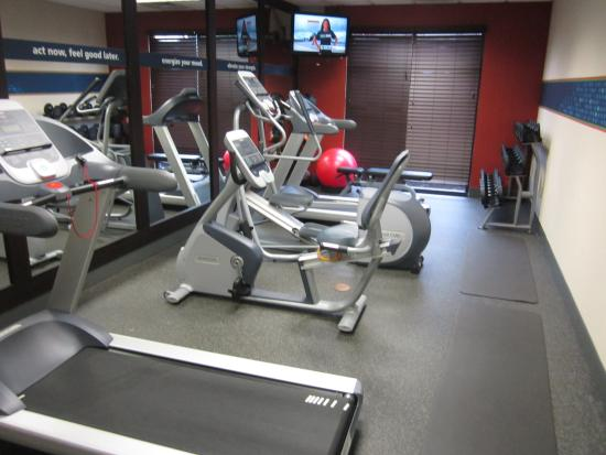 Hampton Inn Doylestown: Fitness room