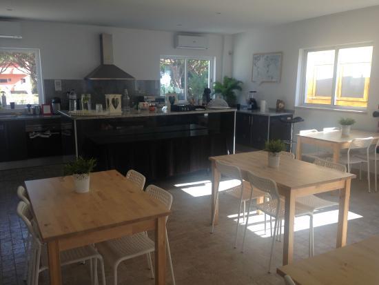 If Vilamoura: Kitchen / Breakfast Area