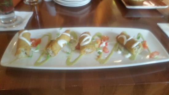 Cantina Laredo: A selection of starters, mains and desserts.