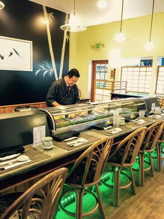 Takenoko sushi : Sushi Chef and Sushi Bar set up