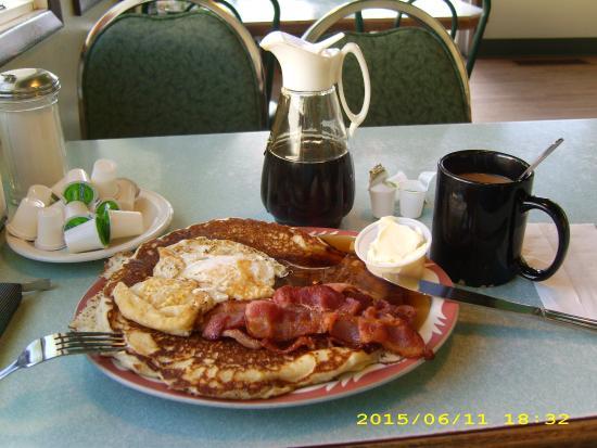 K-Cafe: Das opulente Frühstück mit Pfannkuchen