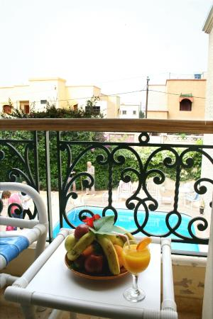 Al Jasira Hotel: Balcon