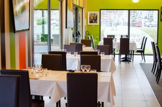 Bucheres, Francia: les baies vitrées offre beaucoup de lumière