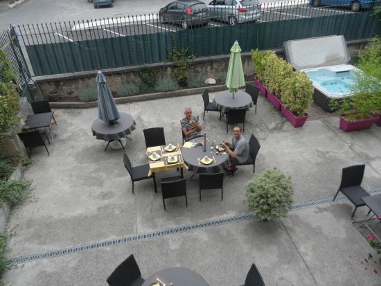 Hotel Le Loft : Petit déjeuner côté cour