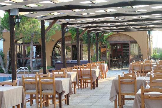 Amore A'la Carte Restaurant
