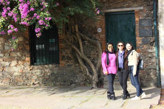 Barrio Historico: Amigas