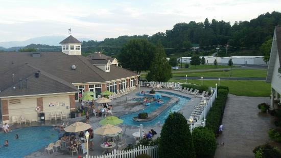 MainStay Suites: Pool view