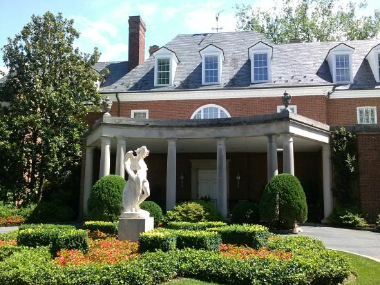 Front Of Hillwood Picture Of Hillwood Estate Museum Gardens Washington Dc Tripadvisor