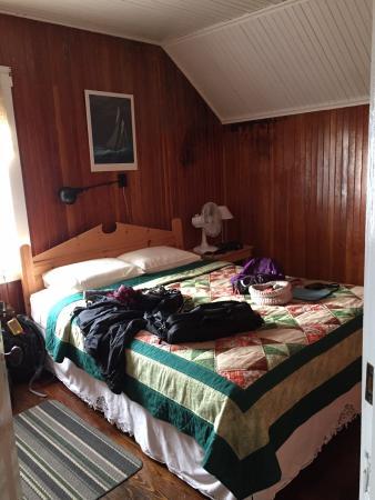 Quirpon Island, Canada: ...our quaint room...