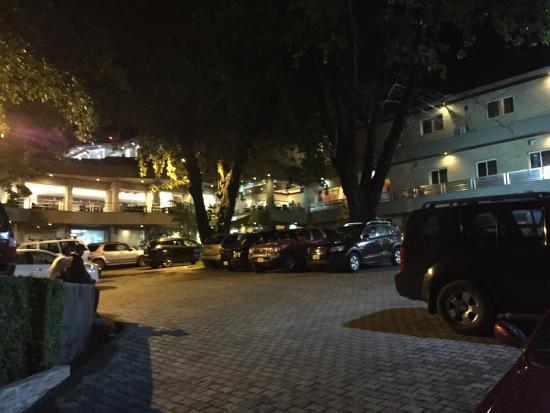 Mamba Point Hotel: Outside