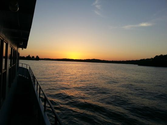 Belle of Hot Springs Riverboat : Sunset from the lower deck