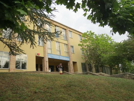 Albergue Juvenil Oncineda de Estella: Fachada do albergue