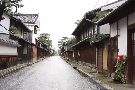 Shimmachi Street: しっとりと、美しい街