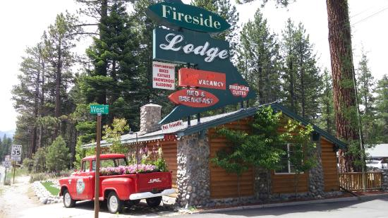 Fireside Lodge Bed and Breakfast: Outside of lodge