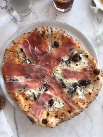 Scuola Vecchia Pizza E Vino: Delray Pizza